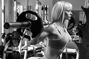 Фото Блондинок Штанга Тренировка Черно белые молодая женщина