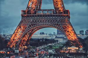Картинки Вечер Эйфелева башня Париж город
