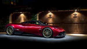Картинки Pagani Красных Сбоку Huayra Senza Tempo машины