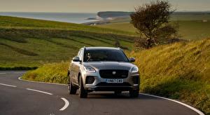 Фотографии Дороги Jaguar Трава Серые Спереди E-Pace, P300 AWD, R-Dynamic, UK-spec, 2017 машины