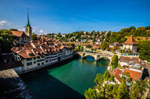 Обои для рабочего стола Швейцария Берн Здания Реки Мост Сверху Города