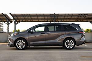 Обои для рабочего стола Toyota Универсал Серая Металлик Сбоку Sienna Platinum, 2020 Автомобили