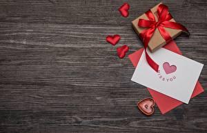 Обои День святого Валентина Сердце Подарки Шаблон поздравительной открытки