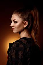 Картинка Viacheslav Krivonos Модель Мейкап Цветной фон Шатенки Julia молодые женщины