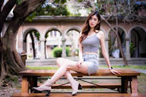 Обои Азиаты Сидит Ноги Юбка Майка Взгляд Девушки картинки