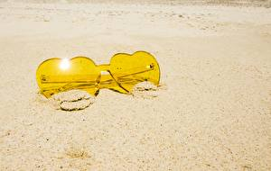 Картинки Крупным планом Песок Очках Желтых