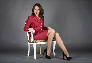 Фото Стул Сидящие Ноги Туфель Костюма Взгляд Elena молодые женщины