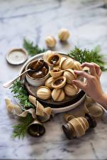 Картинка Пальцы Выпечка Сладкая еда Орехи boiled condensed milk Продукты питания