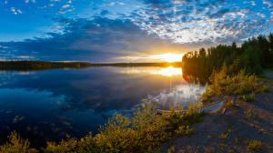 Картинки Финляндия Речка Вечер Рассвет и закат Лодки Облако Kuusamo Природа