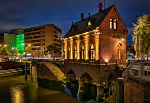 Обои Германия Гамбург Здания В ночи Fleet Schlösschen