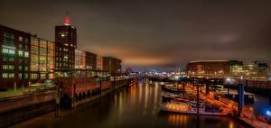 Картинки Германия Гамбург Речные суда Здания Речка Ночь Города