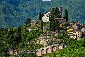 Обои Италия Дома Скала Barga