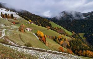 Картинки Италия Горы Осенние Альпы Снега Облака South Tyrol