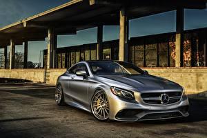 Обои для рабочего стола Mercedes-Benz Серебристая AMG Coupe S-Class C217 Автомобили