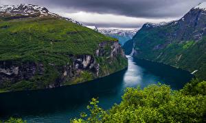 Обои Норвегия Горы Утес Geiranger, fjord