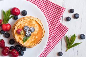 Картинка Блины Ягоды Черника Продукты питания