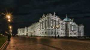 Фото Испания Мадрид Дворец В ночи Уличные фонари Городская площадь Palacio Real