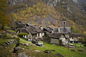 Фотографии Швейцария Горы Осень Дома Каменные Bavona Valley Природа