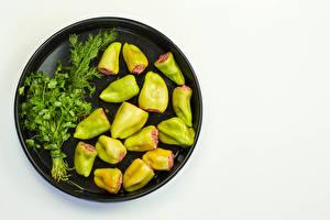 Картинки Вторые блюда Перец овощной Укроп Овощи Белом фоне Пища