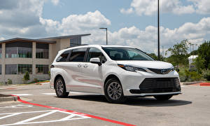 Картинка Toyota Универсал Белых Металлик Минивэн Sienna LE, 2020 машина