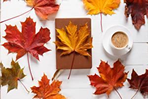 Картинка Осенние Кофе Листва Клёновый Природа