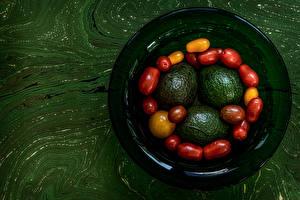 Картинки Авокадо Томаты Тарелка Пища