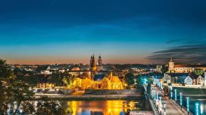 Обои для рабочего стола Мост Дома Литва Каунас Ночь Senamiestis город