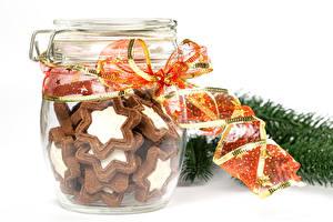 Обои Новый год Печенье Белым фоном Банки Лента Еда