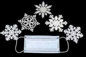 Картинки Рождество Коронавирус Маски На черном фоне Снежинки