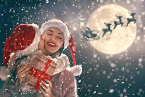 Картинка Новый год Мать Олени Девочка Луной Подарков Снега Шапка Дед Мороз Дети