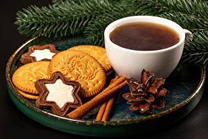 Обои Рождество Чай Печенье Корица Сером фоне Ветки Чашка Шишка Еда