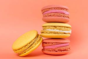 Картинка Крупным планом Цветной фон Макарон Разноцветные Еда