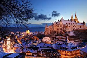 Картинка Вечер Дома Швейцария Озеро Замок Lake Neuchâtel, Neuchâtel Castle город