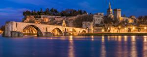Картинки Франция Дома Мосты Залива Ночь Уличные фонари Avignon город