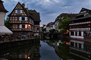 Картинки Франция Страсбург Вечер Дома Города