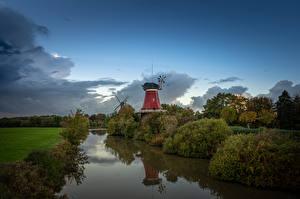 Фотография Германия Небо Ветряная мельница Greetsieler Zwillingsmühlen Природа