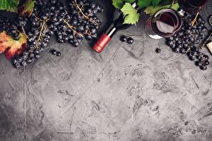 Фотографии Виноград Вино Бокал Бутылки Листья Шаблон поздравительной открытки Пища