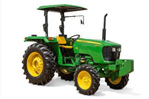 Фотографии Тракторы Зеленая Белом фоне John Deere 5045D, 2008 --