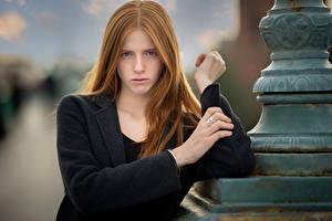 Картинки Рыжие Руки Взгляд Боке Lena молодые женщины