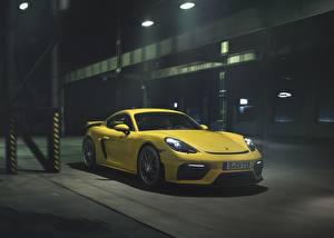Фотографии Porsche Желтый Cayman GT4 718 Автомобили
