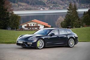 Фотографии Porsche Металлик Черная Сбоку Panamera Turbo S E-Hybrid Sport Turismo, (971), 2020 Автомобили