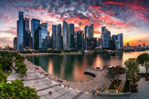 Фотография Сингапур Вечер Здания Небоскребы Облака Marina Bay город