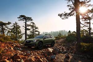 Фотографии Субару Кроссовер Зеленый 2020 Outback Onyx Edition XT машины