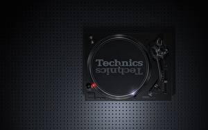 Фотографии Черный Сверху Technics SL-1210 MK7, vinyl player Музыка