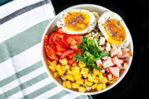 Обои для рабочего стола Томаты Ветчина Кукуруза Яйцами Продукты питания