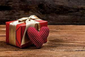 Картинка День всех влюблённых Подарки Сердце