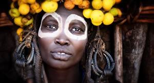 Фотографии Лицо Негры Смотрит ethiopia Девушки