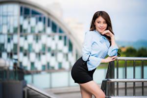Фотография Азиаты Боке Поза Юбки Блузка Рука Взгляд молодые женщины