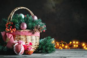 Обои Рождество Ягоды Корзина Ветки Шарики