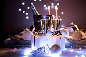 Обои Рождество Боке Бокалы Подарков Шар